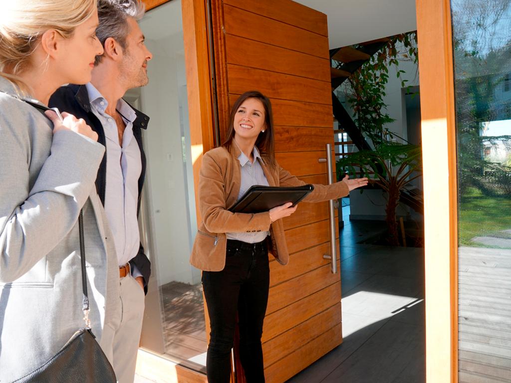 Cercare un appartamento: l'importanza di affidarsi ad un agente immobiliare.